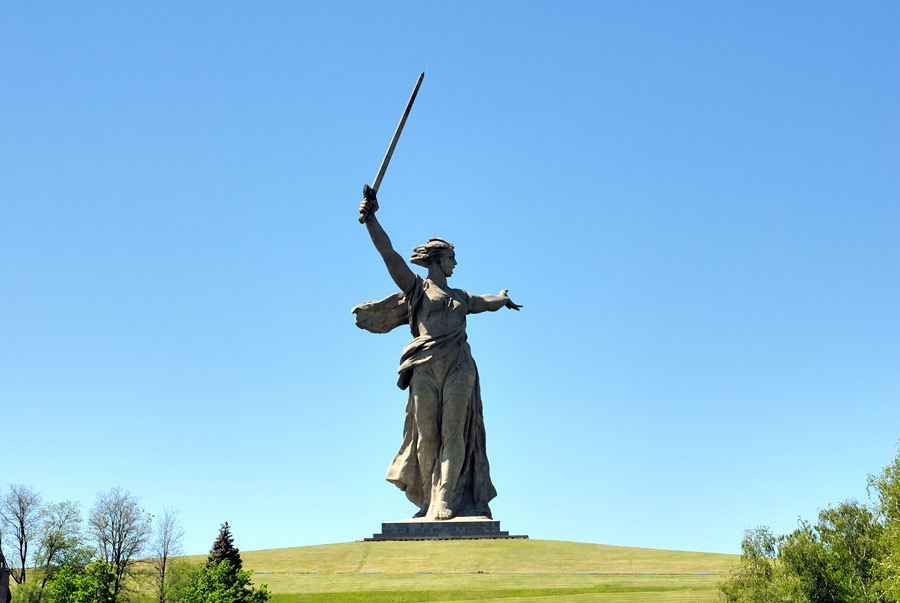 Скульптура «Родина-мать зовет!», Мамаев курган, Волгоград, Россия, Европа