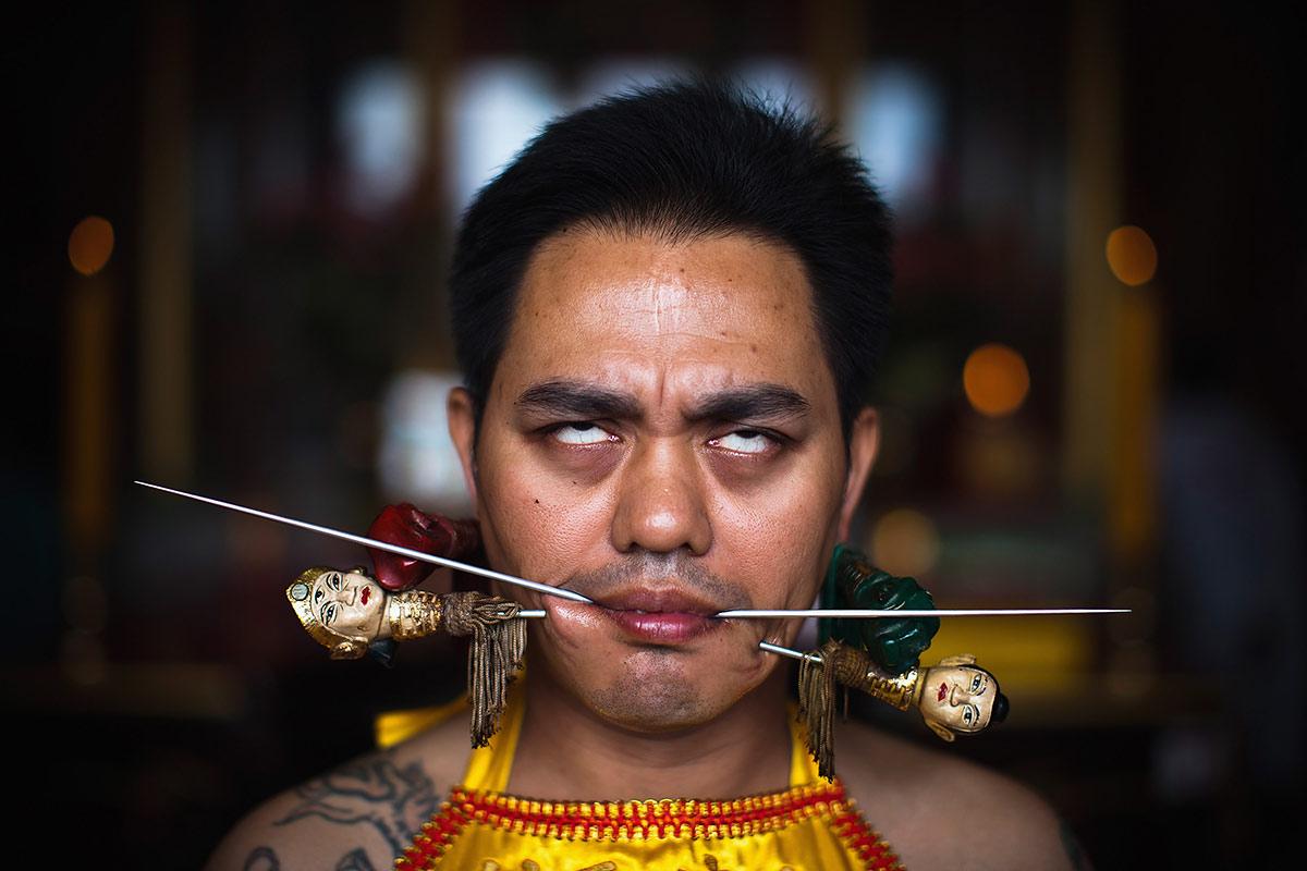 Фестиваль вегетарианцев-самоистязателей, Пхукет, Таиланд, Азия