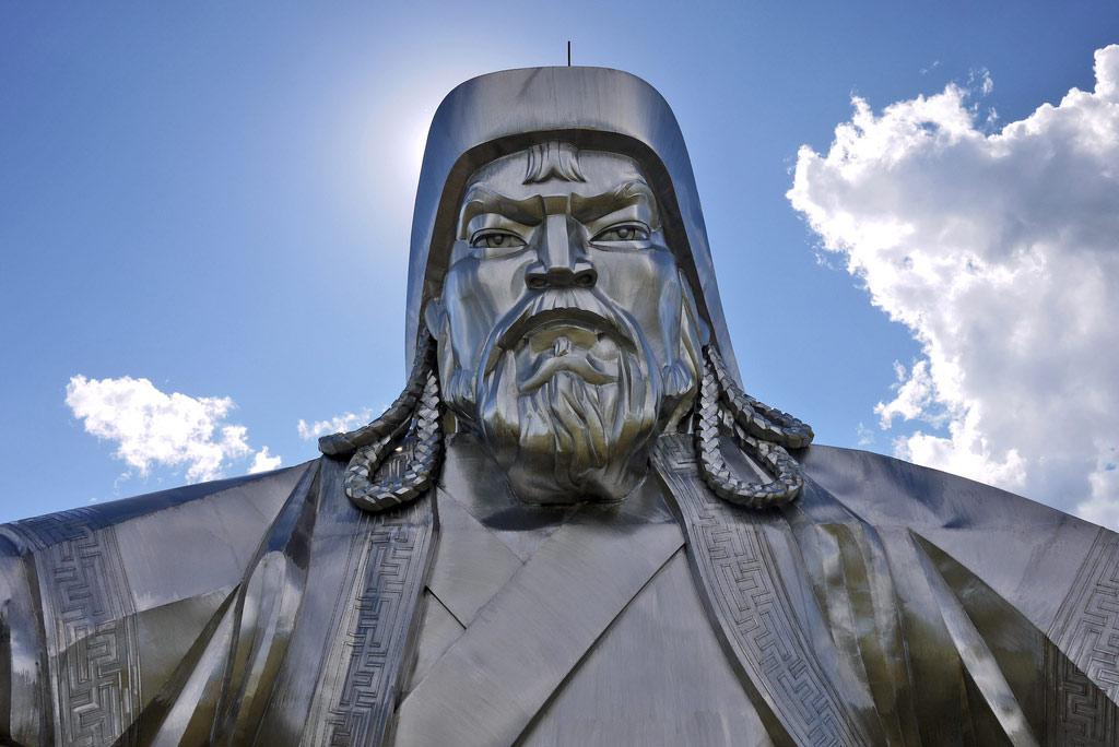Статуя Чингисхана в Цонжин-Болдоге, Монголия, Азия