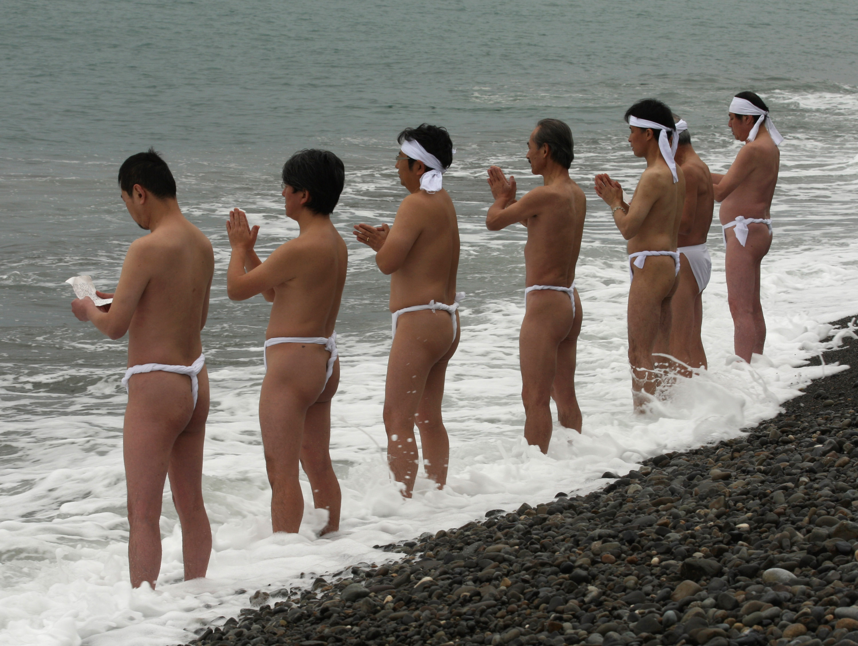 50 оттенков белого: праздник Священных факелов в Японии